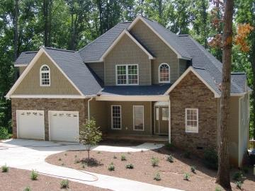 Lake Hartwell waterfront home in Seneca SC, 4 BR / 3.5 bath